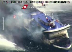 Inferno fuoco su traghetto in Adriatico,morto e feriti