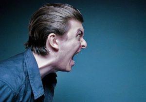 aggressione-verbale-datore-di-lavoro-diverbio-licenziamento-Giacomo-Romano